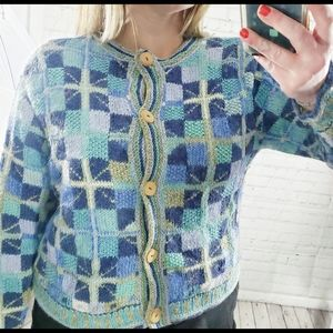 🌼 HAND KNITTED COZY CHECKERED CARDIGAN